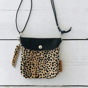 Label Six clutch en bum bag leopard 2