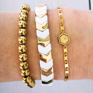 Armbanden set gouden kralen white arrow