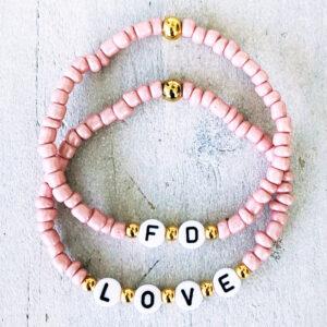 Initialen LOVE pink