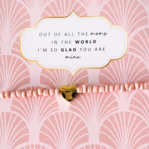 Moederdag armband pink beads op kaart