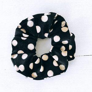 Scrunchie velvet zwart stippels