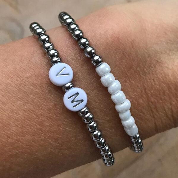 Zilveren initial armbanden