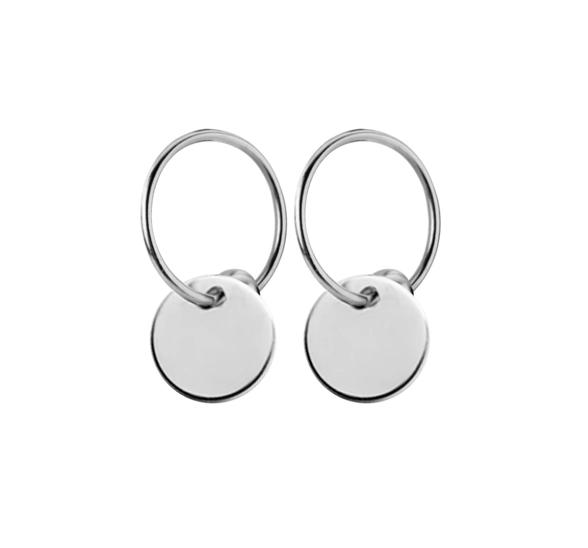 Zilveren oorbelletjes rond